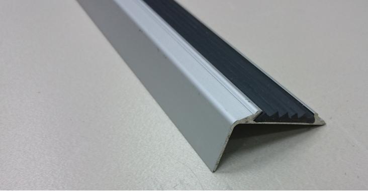 Порог угловой алюминиевый А-38 (Серебро матовое)