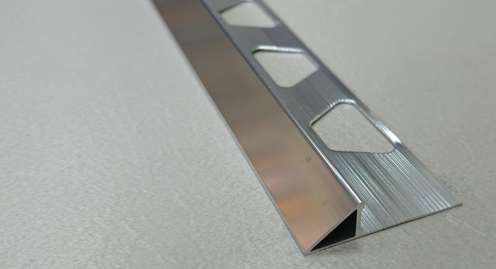 Профиль алюминиевый наружный НAП-45 (Серебро глянцевое)