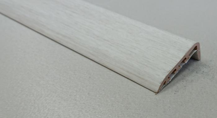 Порог ламинированный угловой MYCK D-K0400-6P Дуб белый