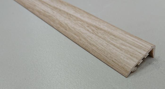 Порог ламинированный угловой MYCK D-K0400-1P Клен