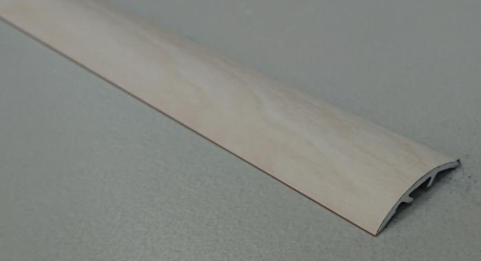 Порог ламинированный универсальный ПА-30 (Дуб белый)